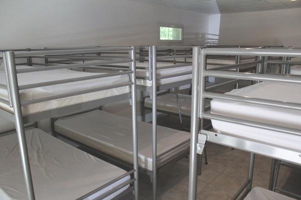 8 lits superposés